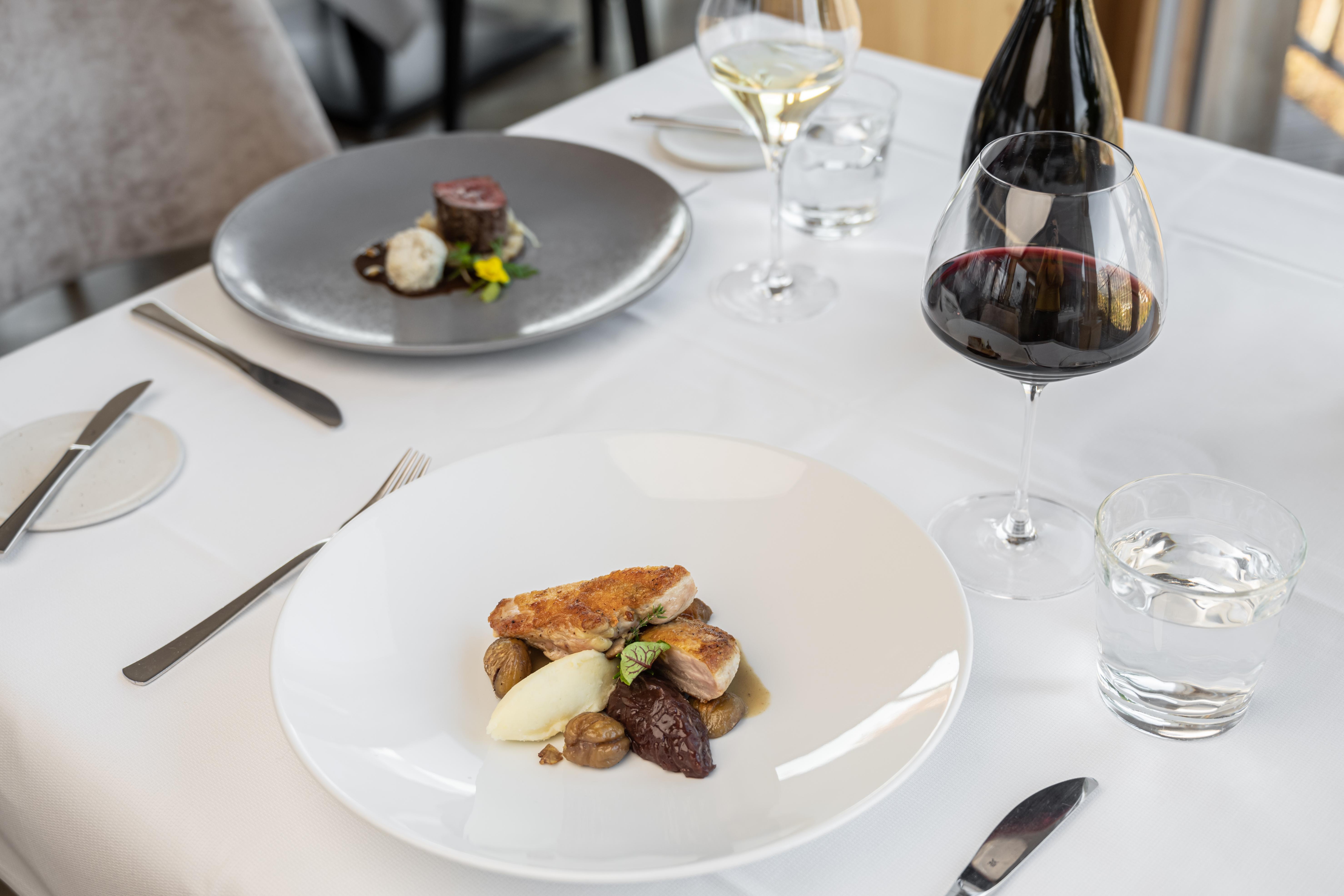 Tavolo pranzo e cena ristorante Vecchia Sorni